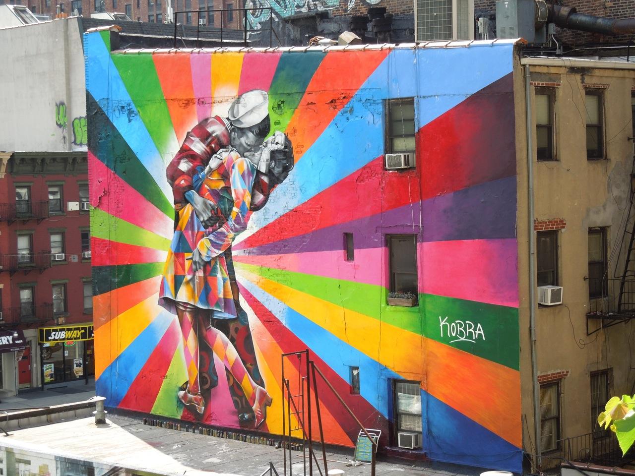 Vj day tribute wall mural eduardo kobra nyc for Building wall mural