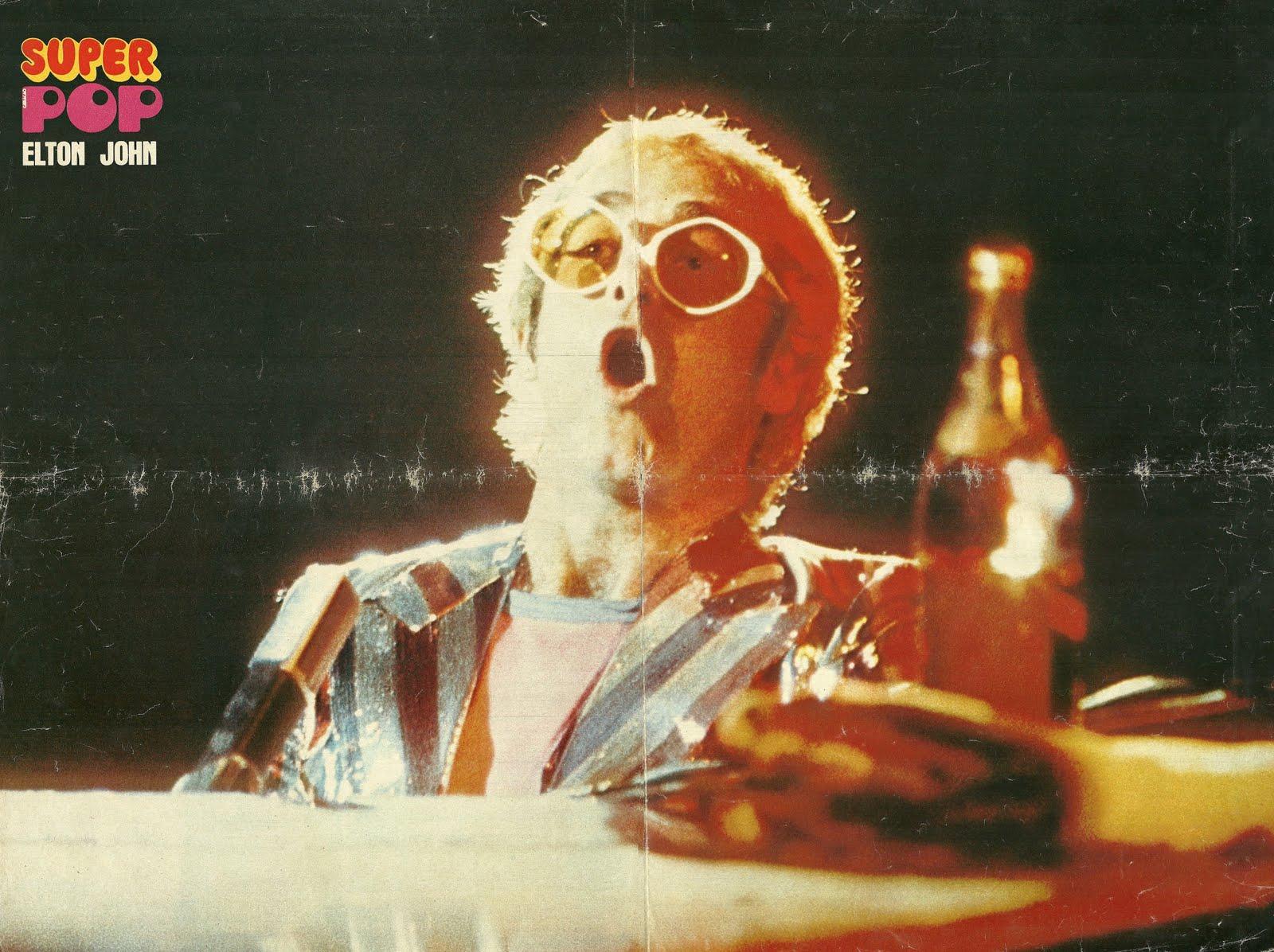 http://1.bp.blogspot.com/---dNOtX4jW8/TdBpbA2keJI/AAAAAAAAEDI/aMaSpYRA9es/s1600/Elton+John%252C+Super+poster+-+Super+Pop+1973-06.jpg