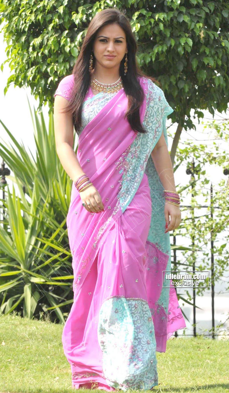 Actress Aksha Saree Pictures