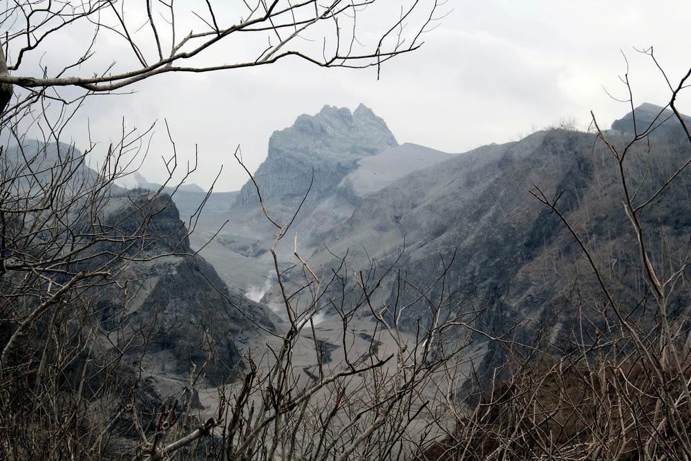 Foto Gunung Kelud Kediri Jawa Timur Paska Meletus