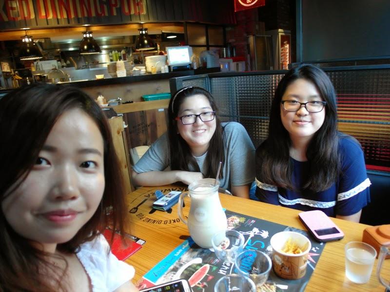 Ewha Summer Studies Sinchon Warawara Banana Makgeolli Seoul South Korea lunarrive travel blog