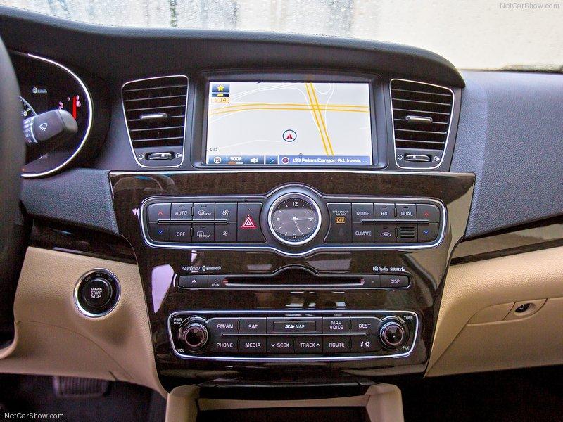 a car Kia Cadenza 2014