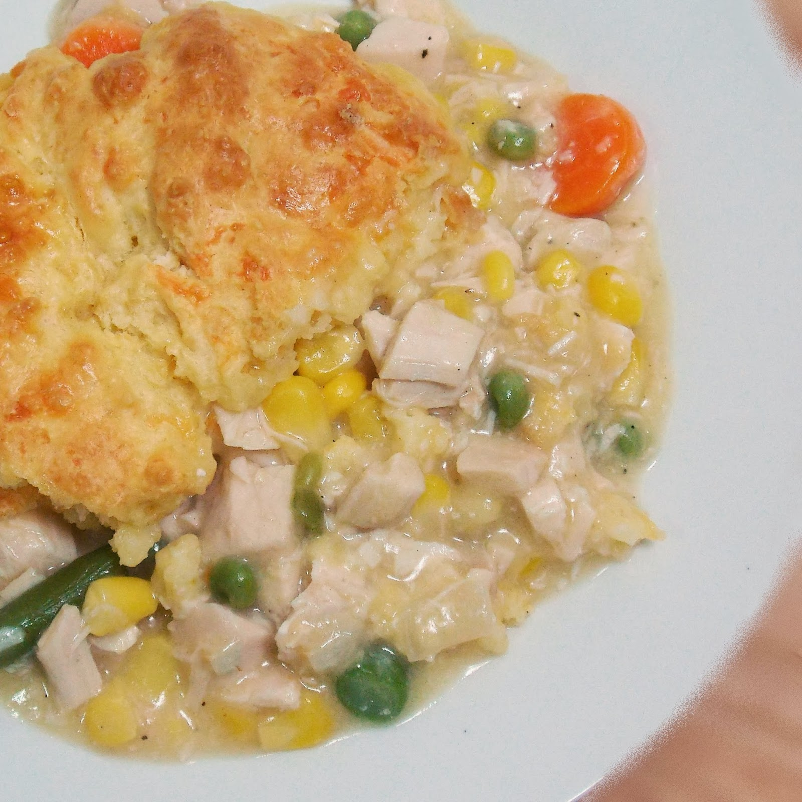 ... Honeybunch: Turkey Pot Pie with Cheddar Garlic Biscuit Topping