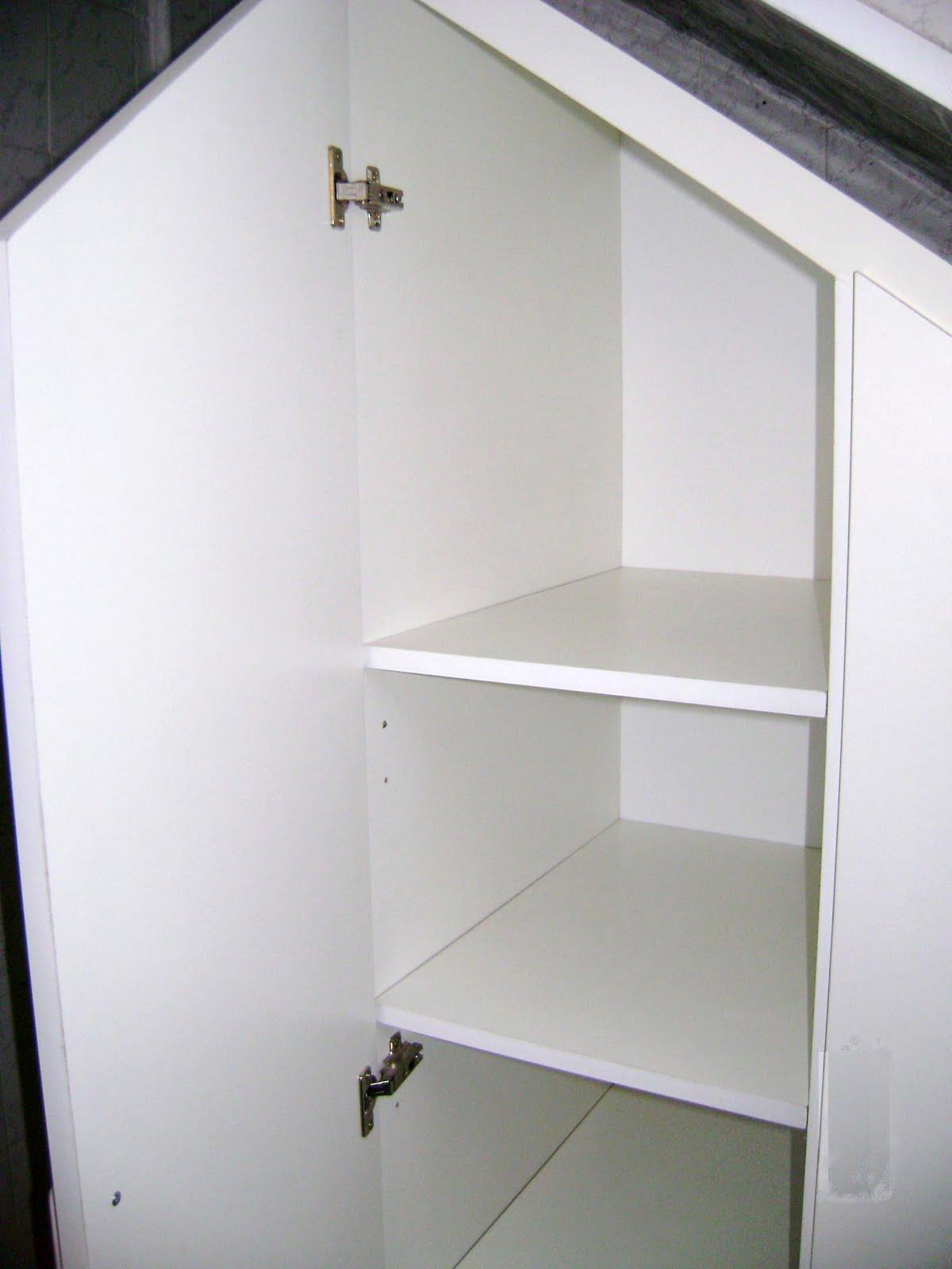 Muebles a medida decocarpinteria bajo escalera for Cama bajo escalera