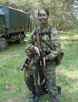 tentara perempuan