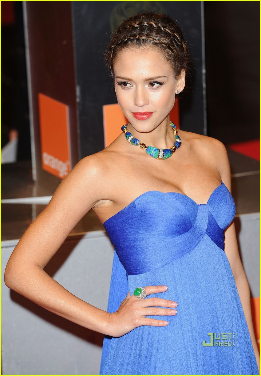 Celebrities in Lingerie: Jessica Alba is looking hot in FHM-Supermodels and Celebrity Photos