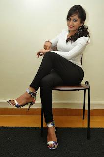 Smithika acharya latest stylish Pictures 018.JPG