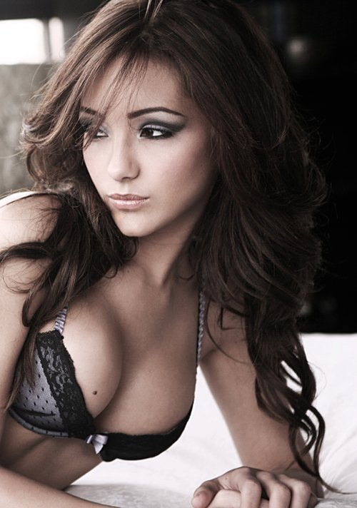 melanie iglesias photo shoot. Melanie Iglesias Magazine#39;s