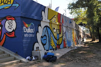 Graffiti na murze Warszawa malowanie farbami Dulux