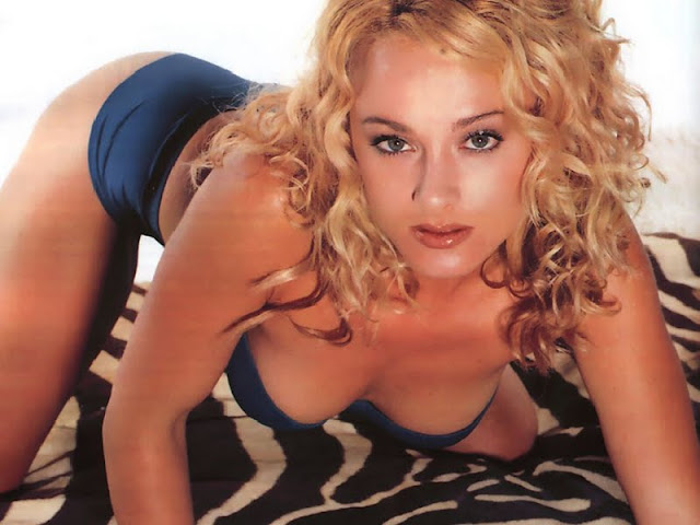 Jennifer ODell sexy in lingerie