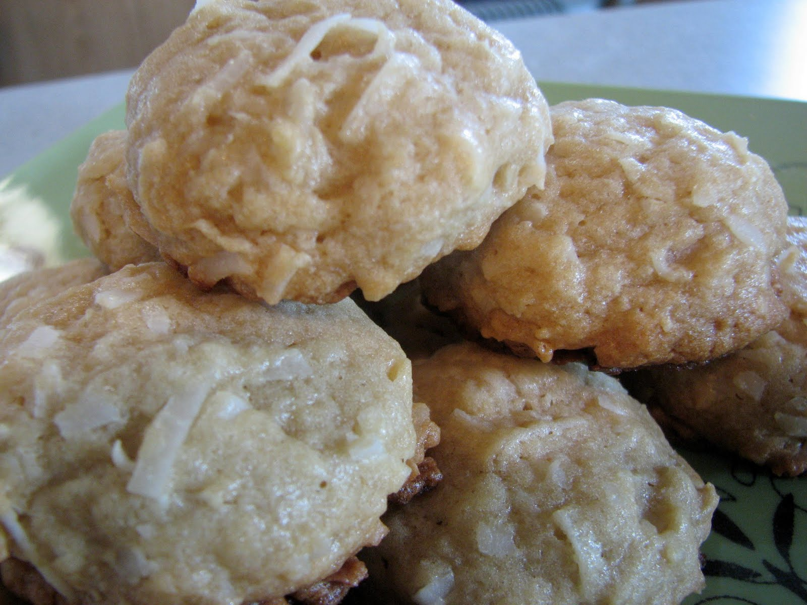 Ashleigh's Kitchen: Chewy Coconut Cookies