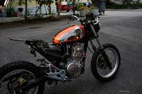 Custom Ducati Scrambler Tank an Honda SLR650 Seitenansicht