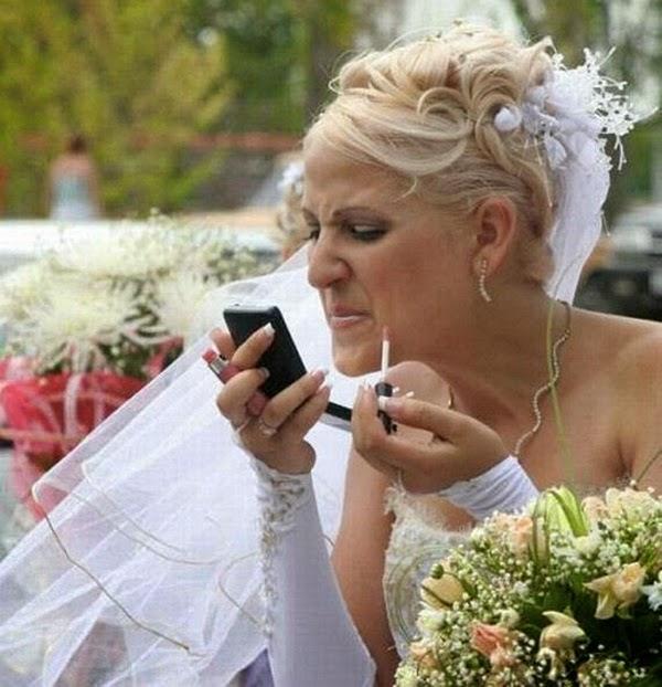 أطرف صور العروسين في حفلات الزفاف  Funny-wedding-photos-09