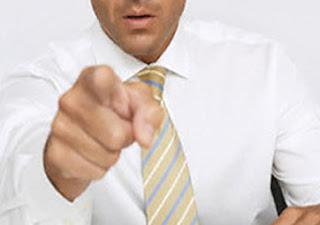 pastor+apontando+o+dedo