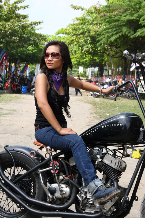 Moto Twist: Most Hot Motorcycle Babes