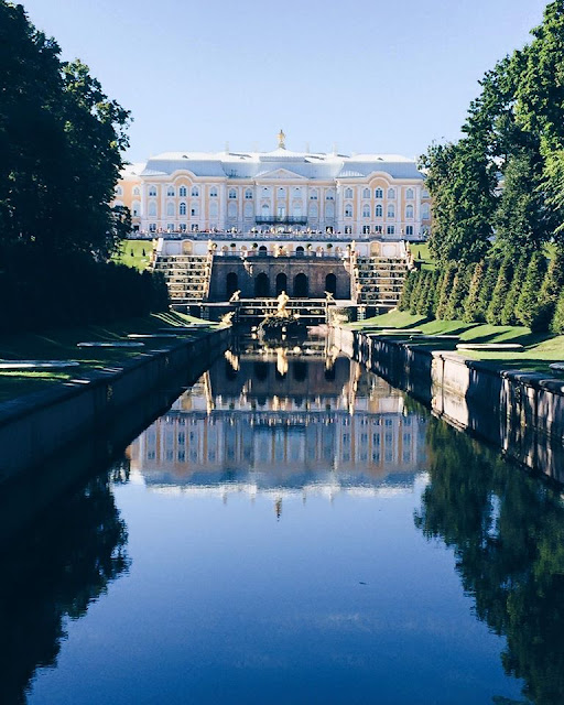 peterhof-castle-russia