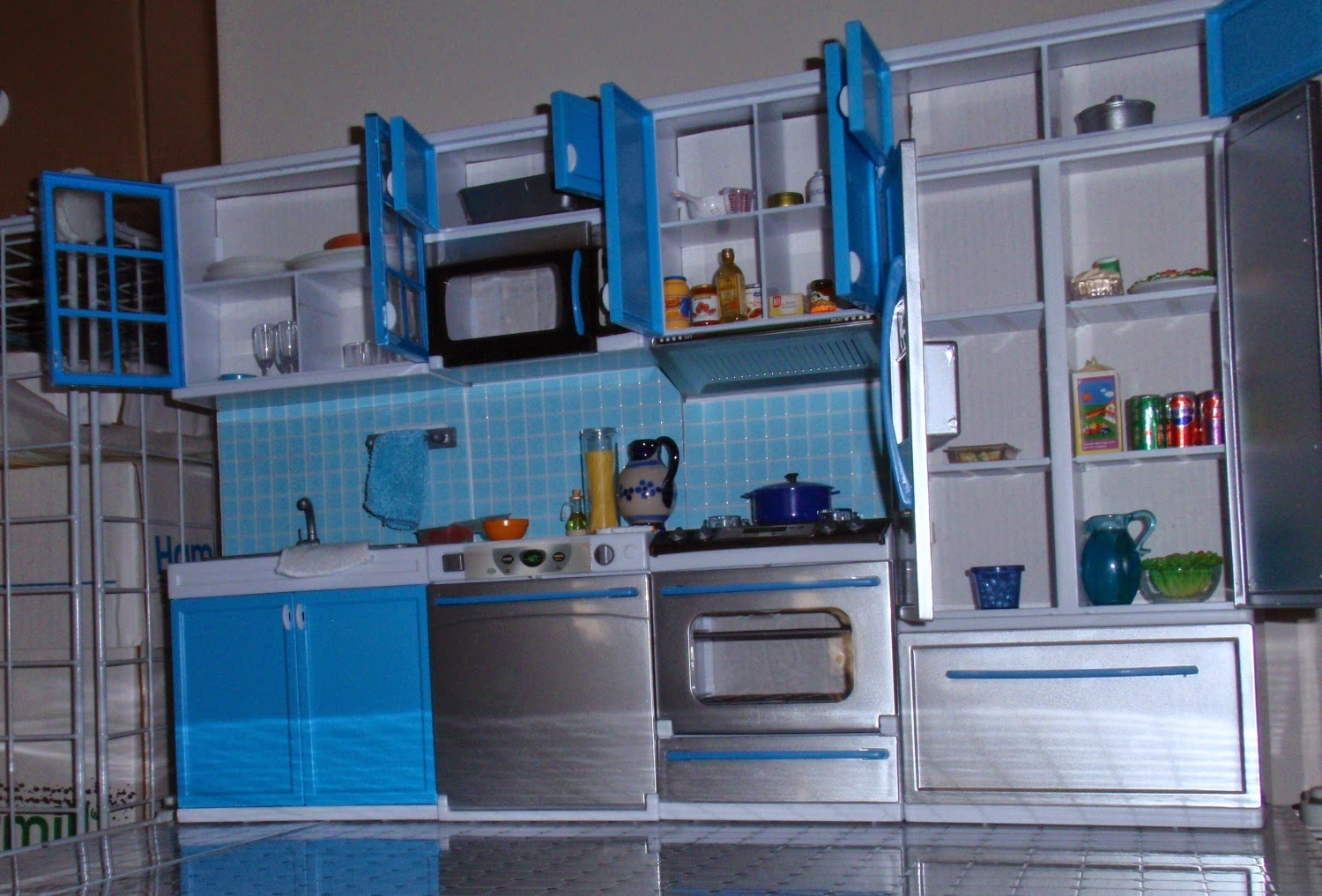 My little doll corner modern kitchen out of the box for Plastic kitchen flooring