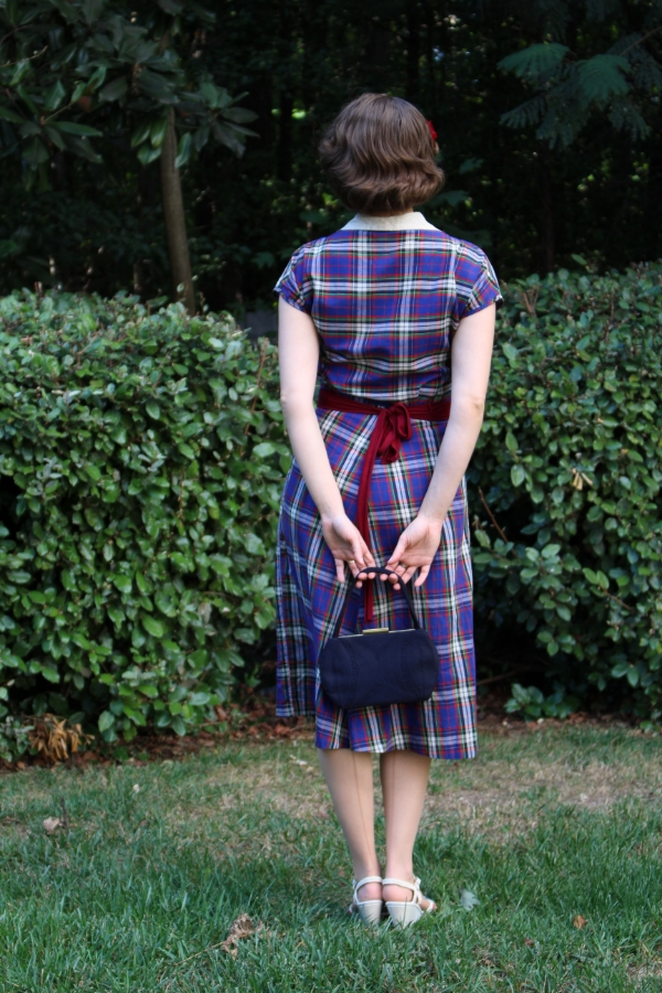 Back Detail on 1940s Outfit #vintage #fashion #dress #40s #1940s #plaid