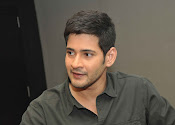 Mahesh Babu stylish photos-thumbnail-7