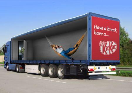 fotos de camiones curiosas publicidad anuncios kit kat hamaca