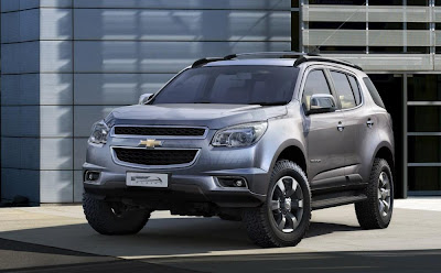 Chevrolet Trailblazer (2013) Front Side