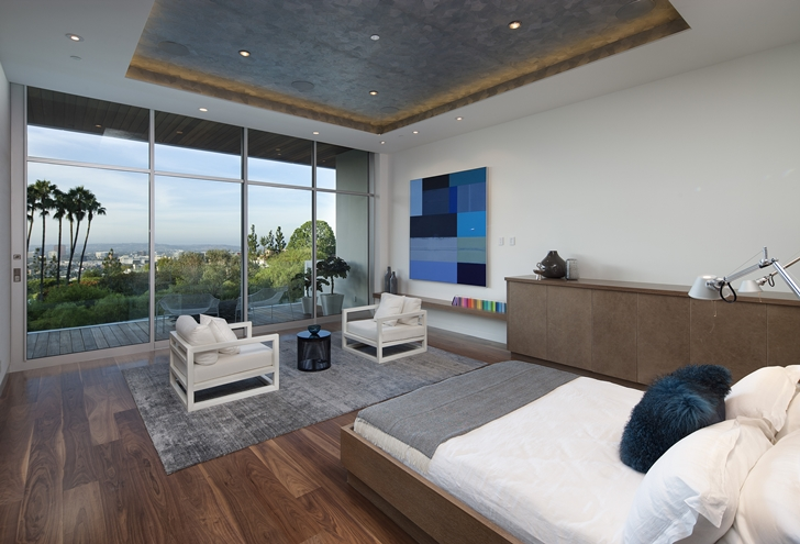 Bedroom in Sunset Plaza Drive modern mansion in Los Angeles