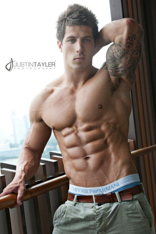15 of the most ripped 8 pack abs and 6 pack abs in the