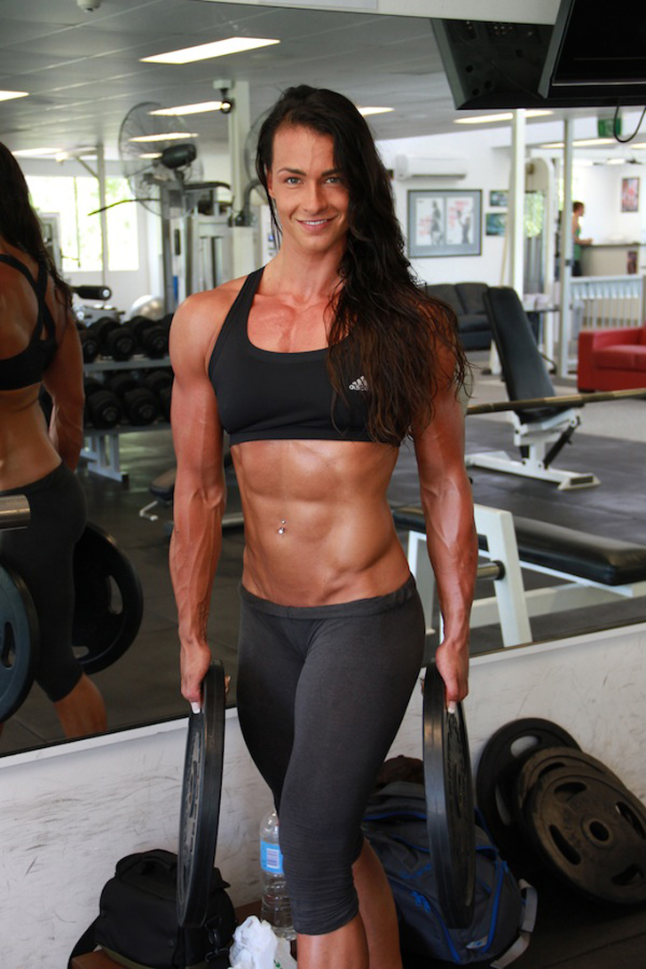 Cindy Landolt Posing Her Shredded Arms And Abs At The Gym