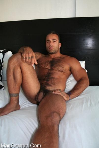 Gay Sarado dando bunda grande gostosa  Sexo Porno Gay