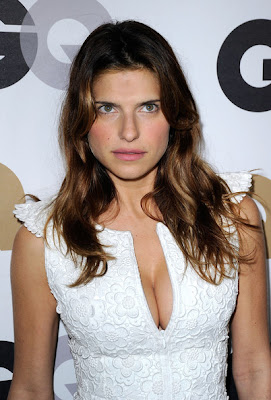 Lake Bell Long Wavy Cut Hairstyle Photo