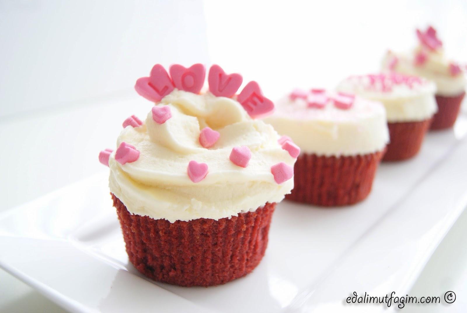 Kremalı Bisküvili Cupcake