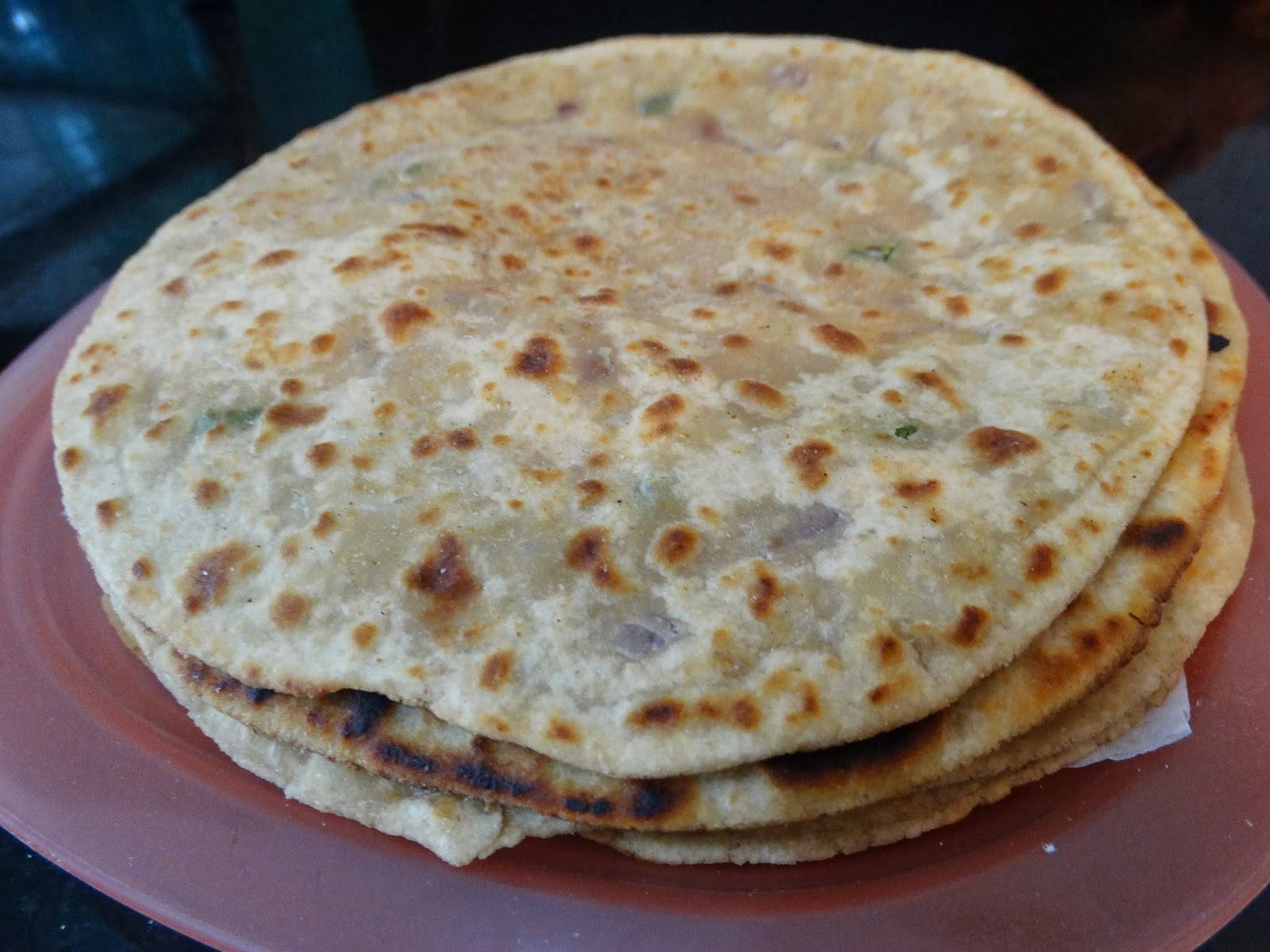 rainingfood.com mooli ka paratha