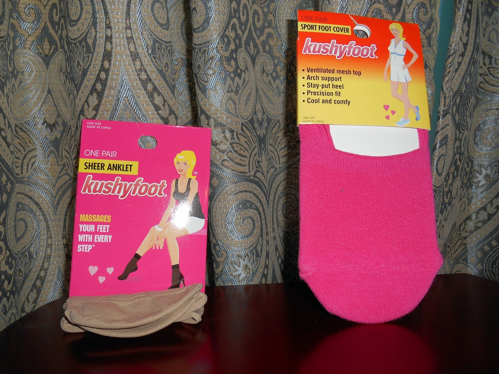 LOT OF 4 KUSHYFOOT Pink Sport Foot Covers~One Size~Massages Feet~Arch Support