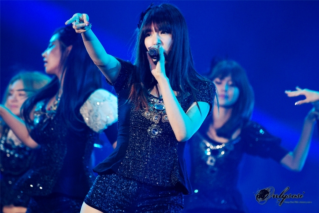 Girls' Generation Tiffany at Yeosu World Expo Festival 2012