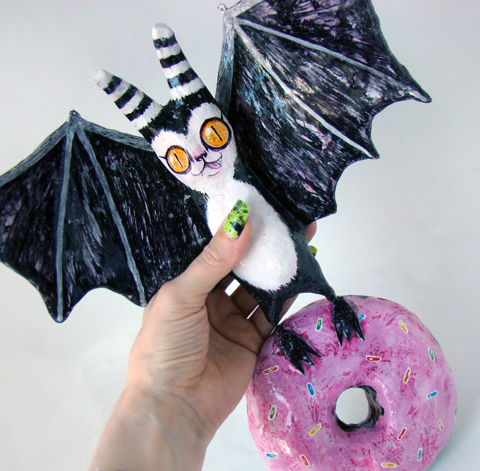Papier Mache Bat and Donut (blacklilypie.blogspot.com)