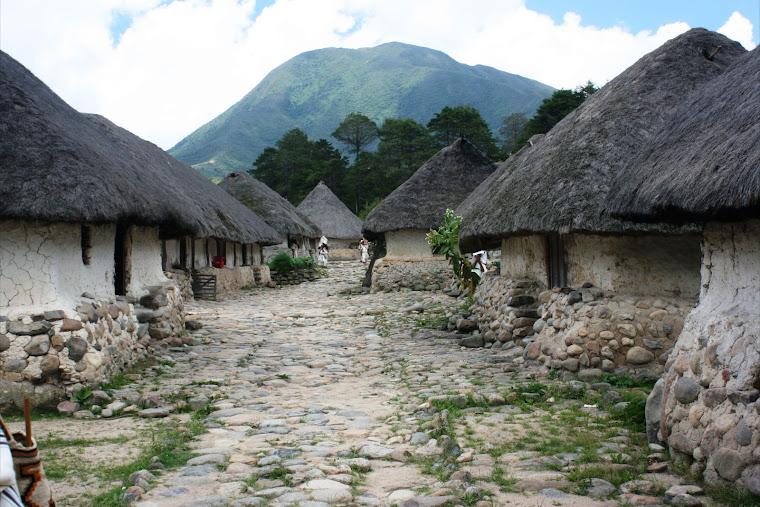 Pueblo Arhuaco en la Sierra Nevada de Santa Marta, Colombia. Foto tomada de Viajes Colombia
