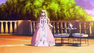 Screen z Amagi Brilliant Park na którym jest księżniczka Latifa Fleuranza w wytwornej sukni