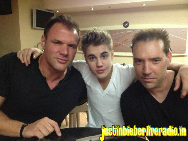 Here for justin justin bieber backstage before first concert of justin bieber with his beliebers backstage in meet and greet did justin look nervous comment what do you think here are more pics m4hsunfo