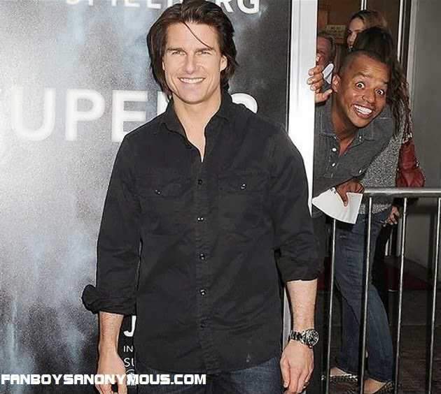 Scrubs Turk actor Donald Faison photobombs Tom Cruise