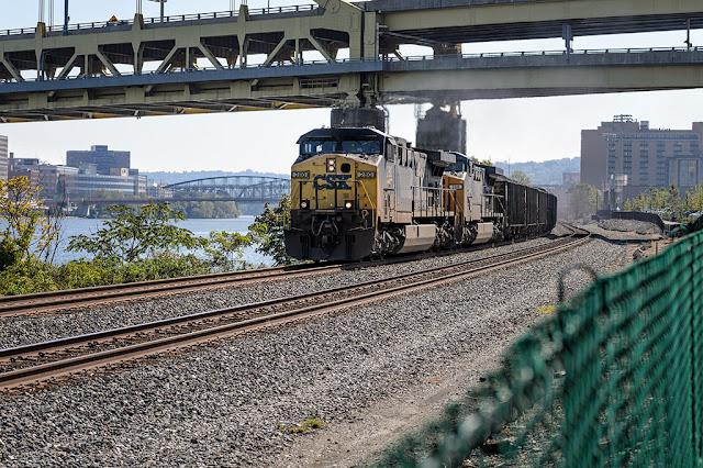 CSX Locomotive 280 and 560 Hauling Coal