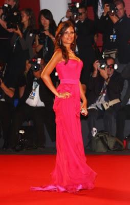 Sara Tommasi vestido de moda