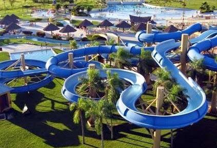 Ciputra Waterpark Surabaya - Daftar 5 Tempat Wisata untuk Liburan di Surabaya