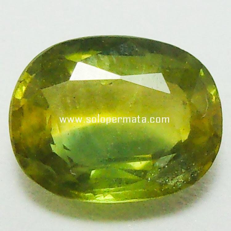 Batu Permata Yellowish Green Sapphire - 03B02
