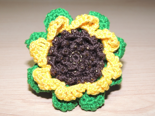 Rigel & Cia: Broches flores ganchillo