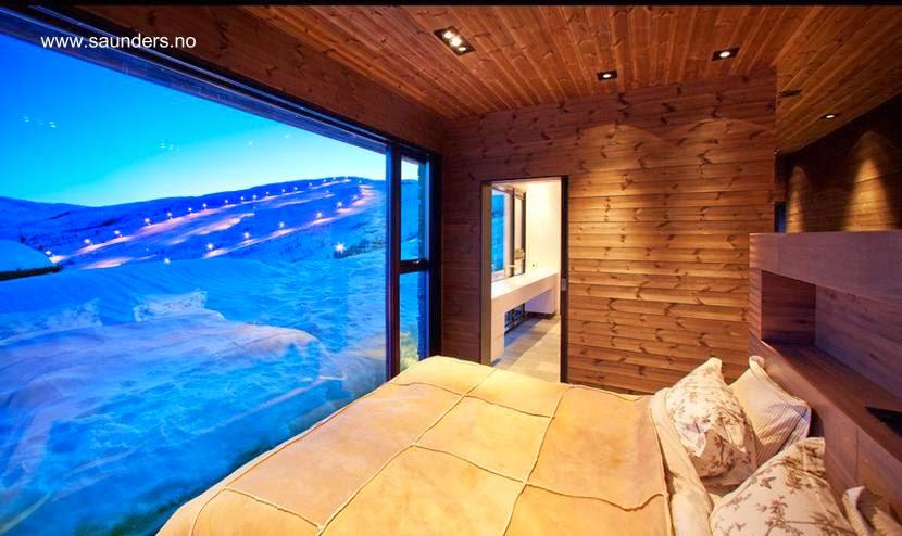 Dormitorio de cama doble en la cabaña noruega de Bergen