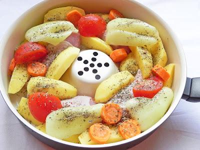 Pulpe de pui cu legume in tigaia Dry Cooker Delimano