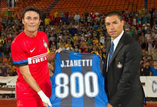 Javier Zanetti Sudah 800