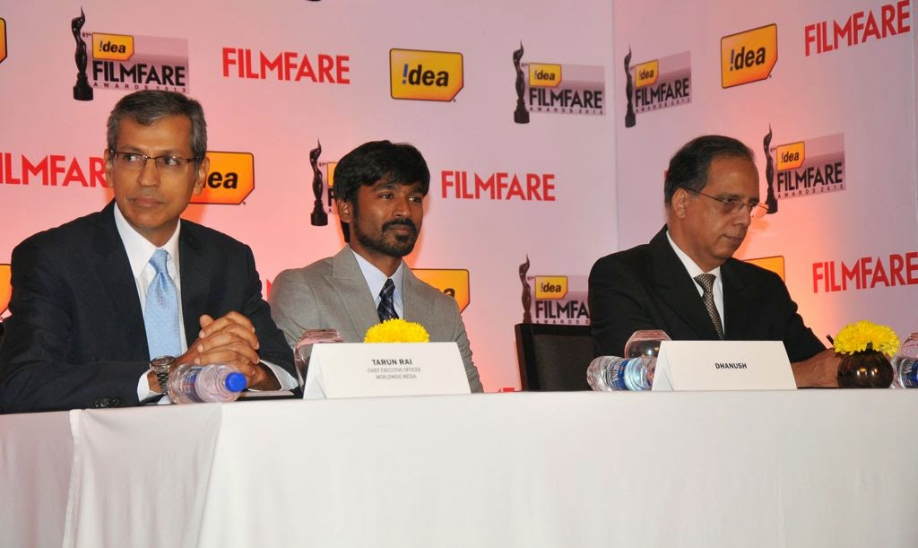Dhanush at Idea film fare awards-HQ-Photo-4