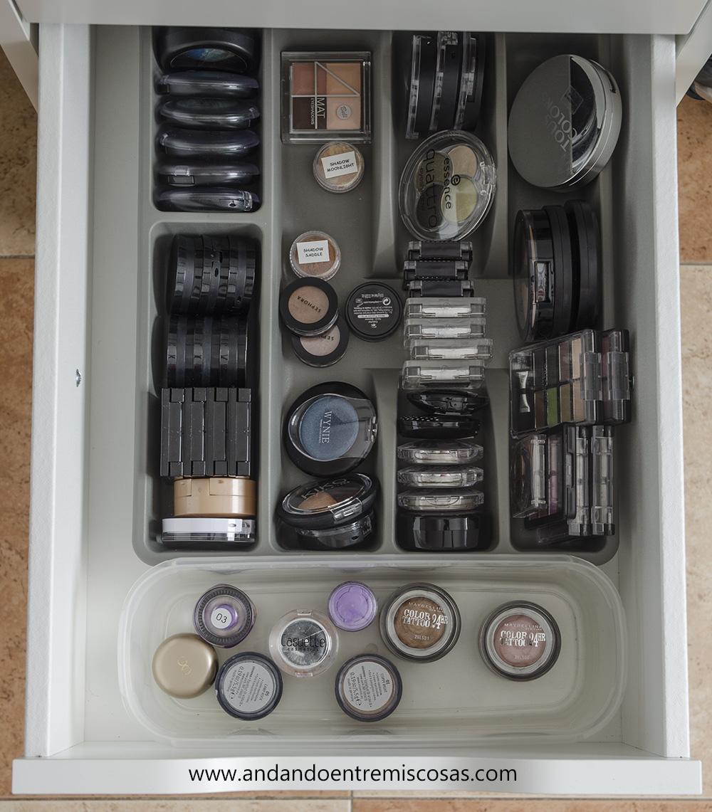 Organización de maquillaje 8