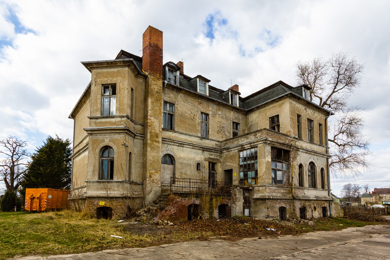 richter s villa the forgotten farmhouse abandoned berlin. Black Bedroom Furniture Sets. Home Design Ideas